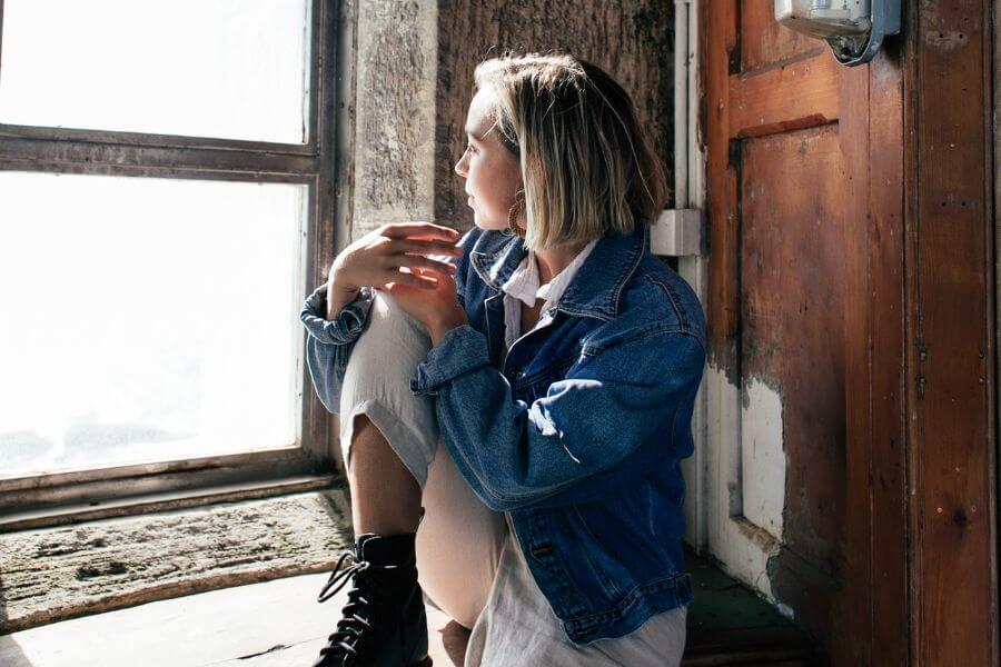 Estudo mostra o impacto da assimetria dos seios na saúde mental de adolescentes