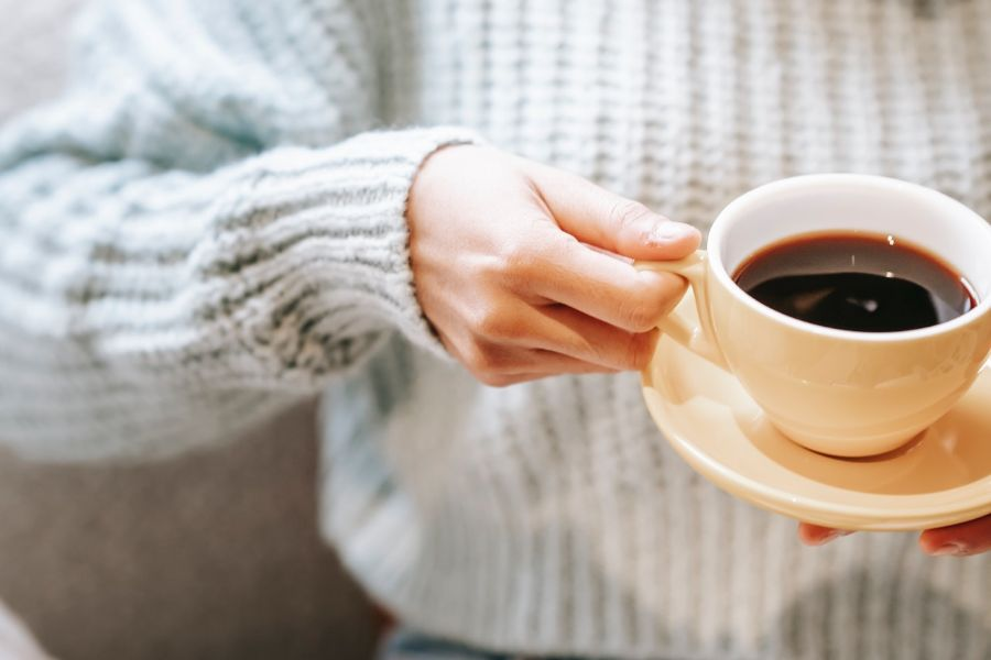 Café e adoçante; veja alimentos que aceleram o envelhecimento